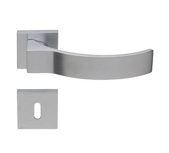 Lever door handle on a square rose 019 Elios Linea Cali
