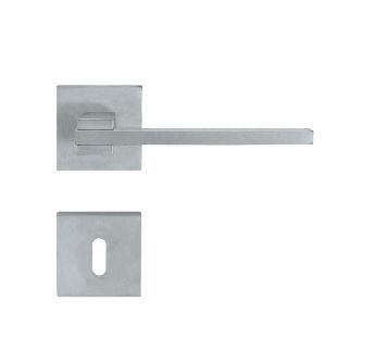 Lever door handle Linea Cali Slim on a square rose 019