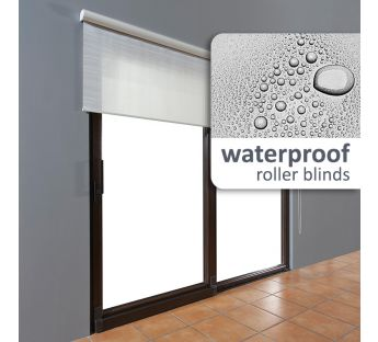 Water resistant free-hanging roller blind in a cassette