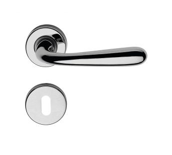 Lever door handle on a round rose 101 Garda Zincral Linea Cali
