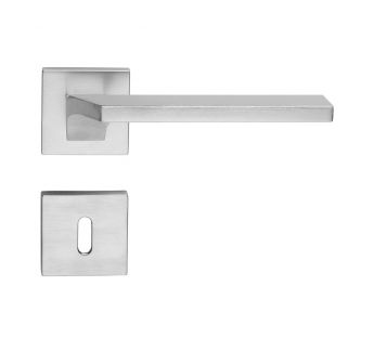 Lever door handle Linea Cali Giro Zincral on a square rose 024