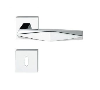 Lever door handle on a square rose 019 Prisma Linea Cali
